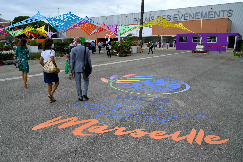 La entrada al Congreso Mundial de la Naturaleza de la UICN, el 2 de septiembre de 2021, en Marsella, sur de Francia.