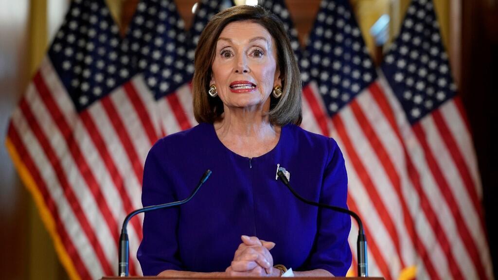 La presidenta de la Cámara de Representantes, Nancy Pelosi, anunció en el Capitolio el inicio del proceso del juicio político contra Donald Trump.