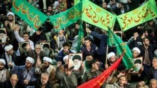 مسيرة مؤيدة للحكومة الإيرانية في طهران في 30 كانون الأول/ديسمبر 2017