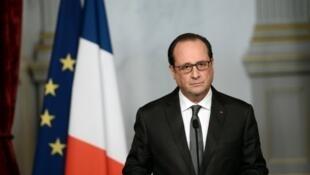 François Hollande, lors d'une allocution, le 14 novembre 2015, au lendemain des attentats qui ont frappé Paris.