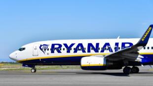 La compagnie aérienne irlandaise Ryanair supprime des emplois pour faire face à la pandémie