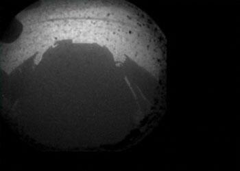 La première image de Mars envoyée par Curiosity à la Terre