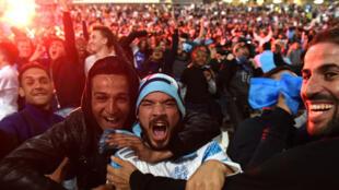 Au Vélodrome, les supporters marseillais ont fêté comme il se doit la qualification de leur équipe.