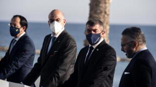 اجتماع ثلاثي في قبرص