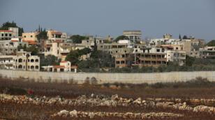 Le mur séparant Metula, en Israël, du village libanais de Kafr Kila, le 7 février 2018.