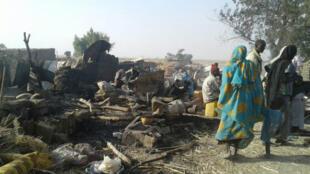 Le raid accidentel sur un camp de déplacés par l'armée nigériane a fait des dizaines de morts à Rann, mardi 17 janvier 2017.