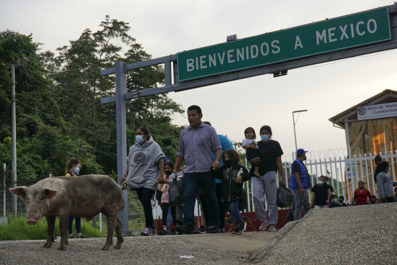 El paso fronterizo de El Ceibo entre México y Guatemala no cuenta con infraestructura migratoria ni protocolos de salud para protegerse contra la propagación del Covid-19.