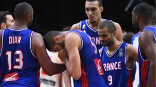 La déception des Français au coup de sifflet final, jeudi 17 septembre 2015, à Lille.