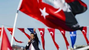 Le nouveau maire d'Istanbul, Ekrem Imamoglu, prend la parole lors d'un rassemblement, à Istanbul, le 21 avril 2019.
