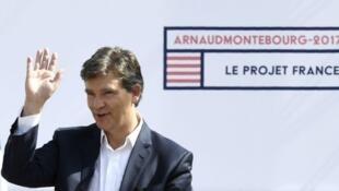 """Arnaud Montebourg à la """"fête de la rose"""" à Frangy-en-Bresse, le 21 août 2016."""