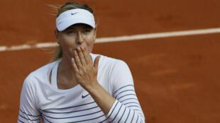 La tenante du titre à Roland-Garros Maria Sharapova s'est qualifiée pour le 2e tour