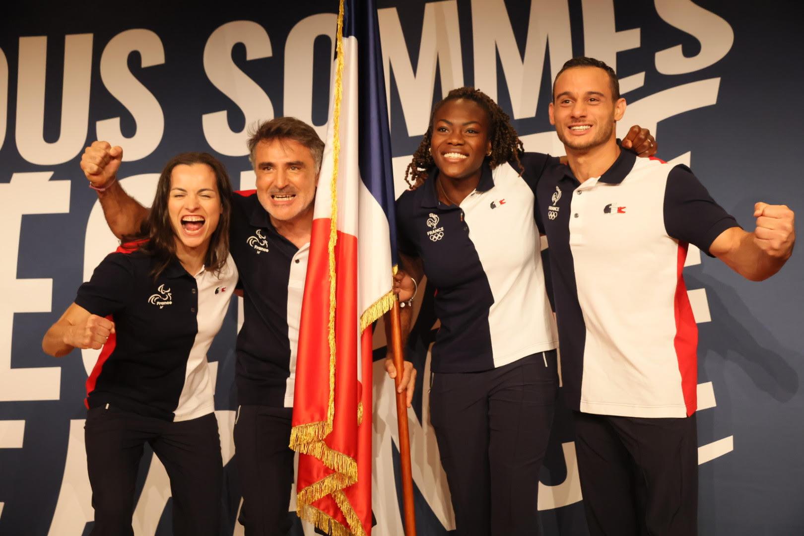 Les quatre porte drapeaux de la délégation française aux Jeux Olympiques et Paralympiques de Tokyo 2020.