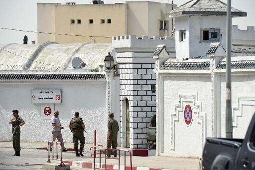 انتشار أمني أمام ثكنة بوشوشه في 25 أيار/ مايو 2015