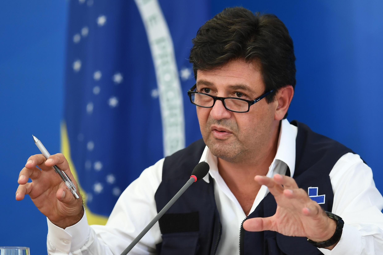 L'ancien ministre de la Santé, Luiz Henrique Mandetta, lors d'une conférence de presse au palais de Planalto, à Brasilia, le 3 avril 2020.
