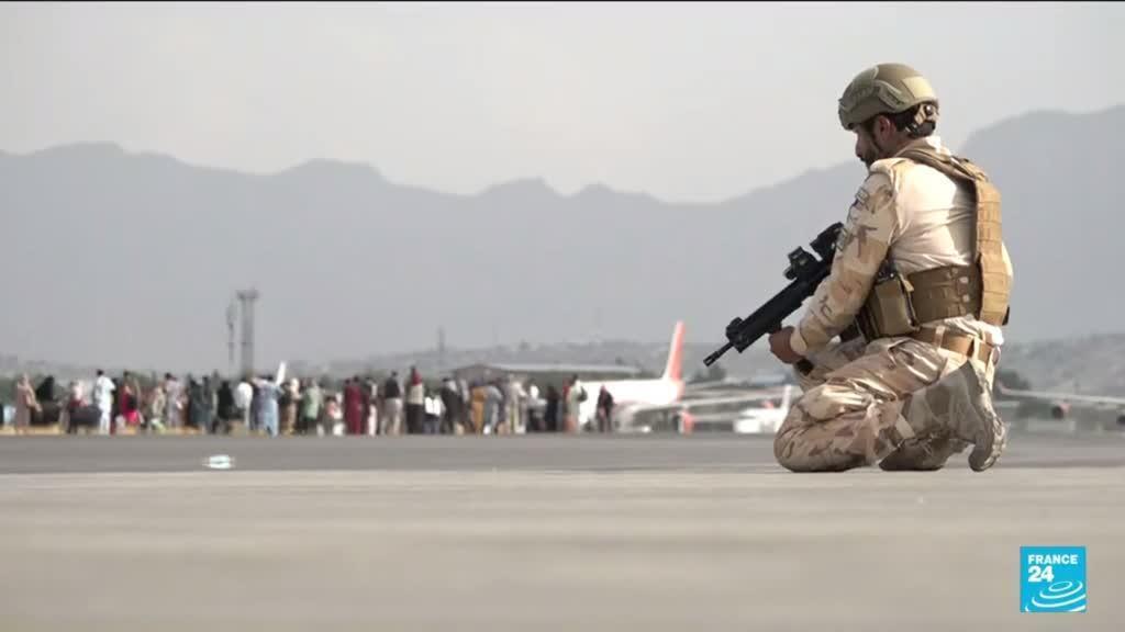 2021-08-23 10:01 France 24 à Kaboul : reportage à l'aéroport, évacuations sous haute tension
