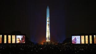 La mission Apollo 11 a été projetée, samedi 20 juillet 2019, sur le Washington Monument.