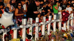 Vigilia por las víctimas del tiroteo que el 3 de agosto dejó 22 muertos en una tienda Walmart de El Paso, Texas. 6 de agosto de 2019