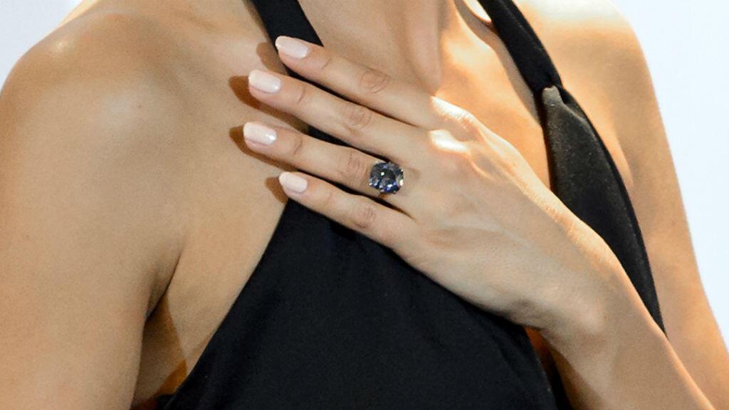 """Le """"Blue diamond"""" a été acheté pour 48,46 millions de dollars."""
