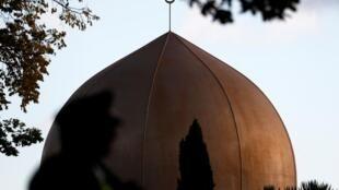 مسجد النور في كرايستشيرش بنوزيلاندا حيث وقع الهجوم الإرهابي وأسفر عن مقتل 50 شخصا