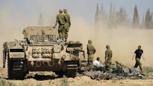Des soldats israéliens à la frontière avec Gaza, le 21 août 2014.