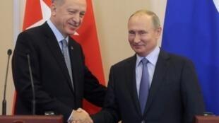 الرئيسان التركي والروسي في لقاء جمعهما بسوتشي 22 أكتوبر/تشرين الأول 2019