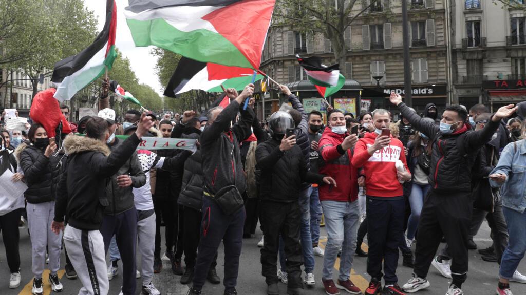 À Paris, les soutiens au peuple palestinien se rassemblent malgré l'interdiction