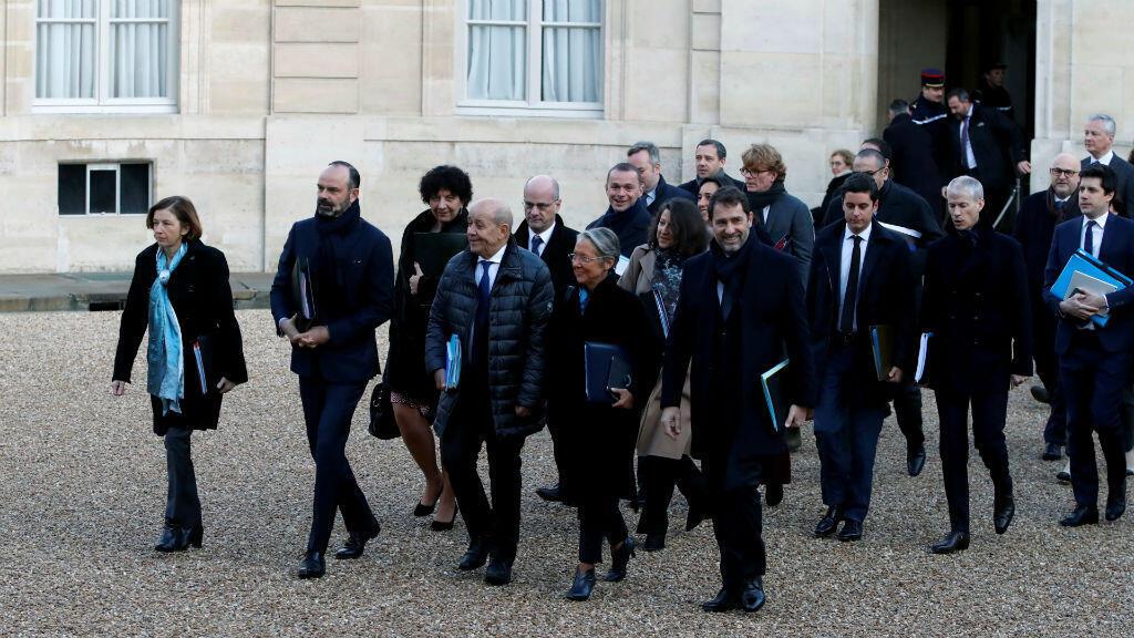 El primer ministro francés Édouard Philippe e integrantes del Gobierno llegan al Palacio del Elíseo para la primera reunión ministerial del año . París, Francia, 6 de enero de 2020.