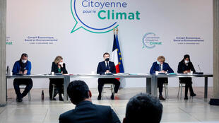 Le président Emmanuel Macron lors d'une rencontre avec les membres de la Convention pour le Climat le 14 décembre 2020 à Paris