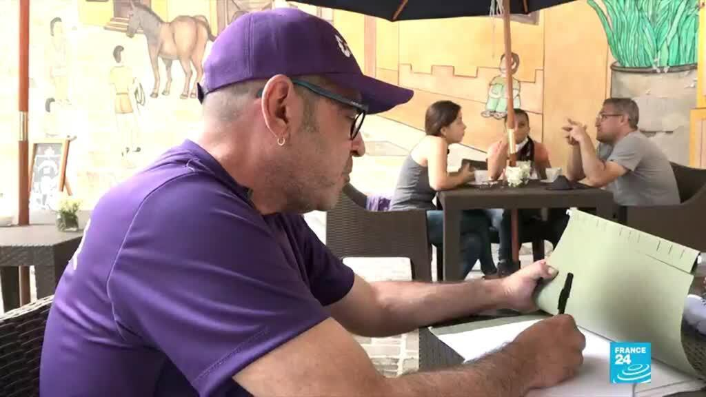 Face au manque d'accès aux soins et d'attention du gouvernement vénézuélien, Mauricio Gutiérrez, porteur du VIH lui-même, a décidé de lancer sa candidature aux prochaines législatives. Ici, à Caracas.