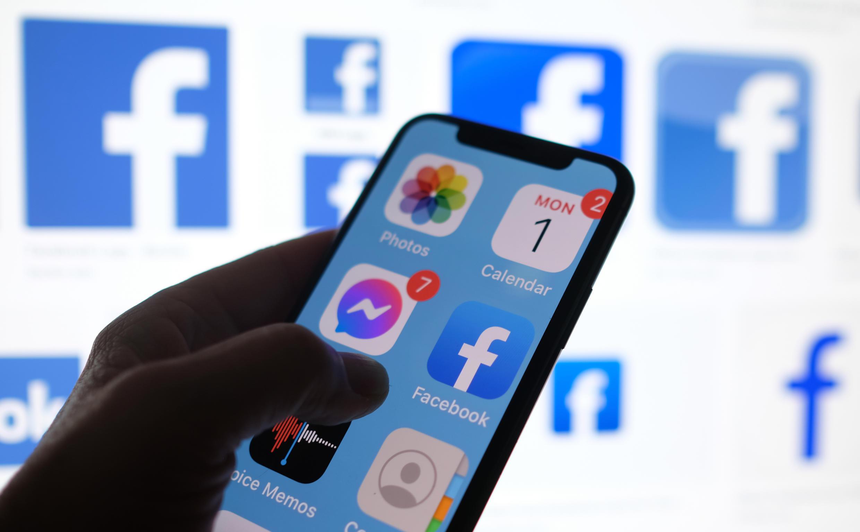 """Le piratage des données sur Facebook de plus de 530 millions d'utilisateurs, qui ont été en partie publiées sur un forum de hackers le week-end dernier, est le fait d'""""acteurs malveillants"""", a dénoncé Facebook"""