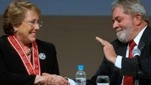 """Bachelet apoyó en una carta firmada por varias figuras socialistas la candidatura de Lula da Silva, considerando que, de ser negada, """"profundizaría la crisis política"""" en Brasil"""