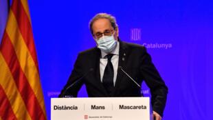 El presidente catalán, Quim Torra, da una rueda de prensa sobre la situación en Cataluña de la pandemia del coronavirus, el 27 de julio de 2020 en Barcelona