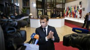 Le président français, Emmanuel Macron, à son arrivée au sommet européen pour le Brexit, au Parlement européen (Bruxelles), le 10 avril 2019.