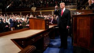 El presidente Donald Trump pronunció el discurso del Estado de la Unión, con el vicepresidente Mike Pence y la presidenta de la Cámara de Representantes Nancy Pelosi, en el Capitolio en Washington D. C., el 5 de febrero de 2019.