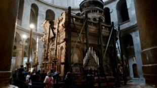 قبر المسيح في كنيسة القيامة بالقدس