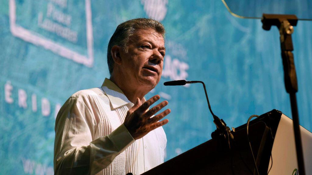 El expresidente de Colombia y Premio Nobel de la Paz 2016, Juan Manuel Santos, habla durante la inauguración de la XVII Cumbre Mundial de Premios Nobel de la Paz