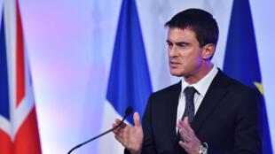 Manuel Valls a annoncé que le plan Vigipirate serait renforcé pendant les fêtes de fin d'année 2014, après les attaques de Dijon et Nantes.