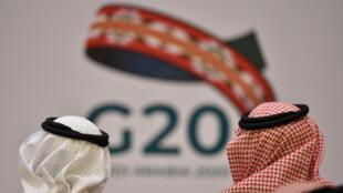 Unos asistentes a una reunión de ministros de Finanzas y gobernadores de bancos centrales de los países del G20 celebrada el 23 de febrero de 2020 en Riad, la capital de Arabia Saudí