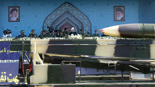 Misiles son exhibidos durante un desfile de las fuerzas armadas con la presencia del presidente Hassan Rouhani, en Teherán, el 22 de septiembre de 2017.
