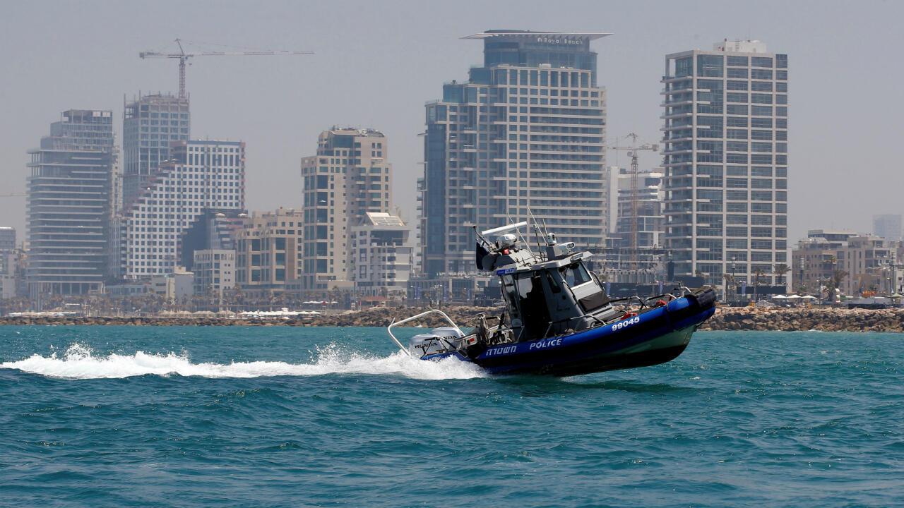 La policía marina israelí patruya las costas de Tel Aviv en el Mar Mediterráneo como parte del esquema de seguridad para el inicio de Eurovisión este domingo 12 de mayo de 2019.