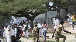 Pllus de 50 personnes sont mortes  dans un mouvement de foule lors d'un festival à Irreecha, au sud d'Addis Abeba.
