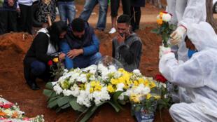Brésil mort covid coronavirus pandemie sao paulo
