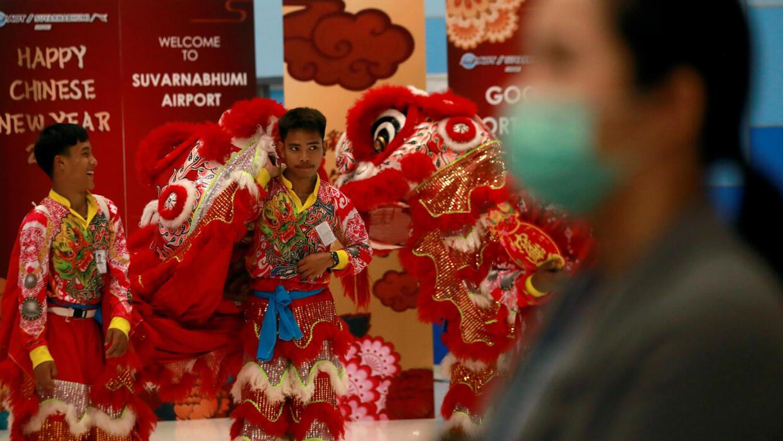 Coronavirus : la ville de Wuhan coupée du reste de la Chine, l'OMS repousse sa décision à jeudi