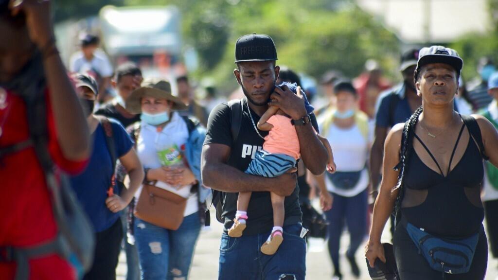 Son numerosas las familias que integran la cuarta caravana, que partió este sábado desde la frontera con Guatemala hacia el norte de México. Tapachula, México.