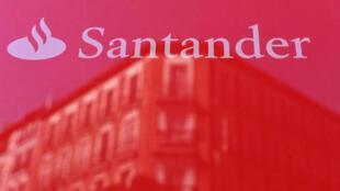 El logo del banco Santander, en Madrid, España, el 14 de mayo de 2019