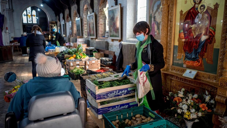 Coronavirus pandemic 'amplifying' poverty in UK - France 24