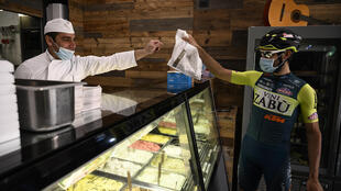 Professional cyclist Umberto Marengo was supposed to be training for the Giro d'Italia, but now he's delivering ice cream