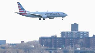 Un Boeing 737 Max de American Airlines en provenance de Miami, avant son atterrissage à New York, le 12 mars 2019.