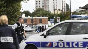 La police intervient à Villejuif, le 6 septembre 2017, après la découverte de produits servant à fabriquer des explosifs dans un appartement.
