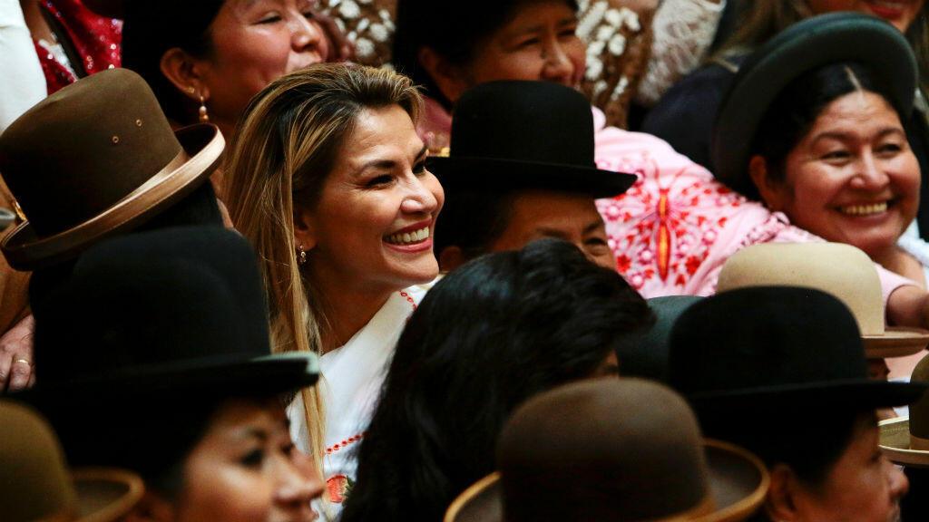 En 2013, mediante una ley municipal, la chola paceña fue declarada patrimonio cultural intangible de la ciudad de La Paz.